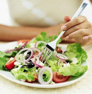 Dersom en legger om kostholdet, kan en etter få uker oppnå fra 5 - 30% reduksjon av blodkolesterolnivået.