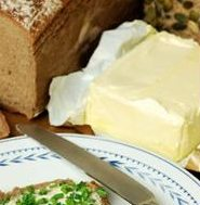 En tommelfingerregel er at jo hardere smør du benytter (jo mindre smørevillig noe er), jo mer usunt er det!