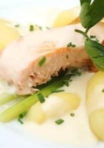 1 gram omega-3 er anbefalt daglig dose. Dette kan du også få gjennom 25 g sild, 50 g laks, 500 g torsk.