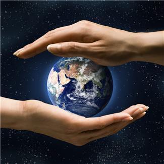 Guds tilstedeværelse i menneskers liv kan ses på minst to ulike måter...