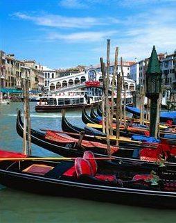 Venezia . en av mange destinasjoner som er innen rekkevidde med Oska-Travel.