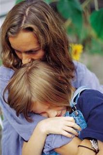 At små barn i perioder kan trasse, er naturlig og forståelig. Noe helt annet er det når barnet er blitt større, og trassingen snarere øker i omfang. Det er viktig at de voksne tør å sette grenser!