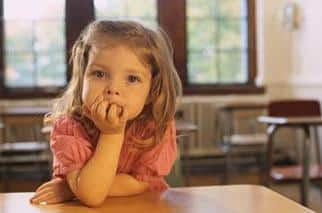 Lekser og skolearbeid: Viktig at foreldre følger opp barna sine!