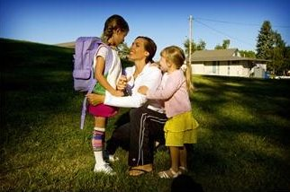 Curlingforeldre overbeskytter sine barn. (www.johnsteffensen.no)
