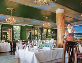 Restaurante Goya holder til i Lidoområdet og er en ganske ny retaurant. det er enorm forskjell på uteplassen og lokalitetene innendørs. Goya serverer førsteklasses mat etter alle kunstens regler. I løpet av kort tid har restauranten blitt en av de aller beste på Madeira. Det skjønner vi meget godt! Foto: John Steffensen