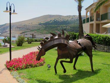 Utsnitt fra den praktfulle hagen til Viva Cala Mesquida Resort, Mallorca. (Foto: John Steffensen)