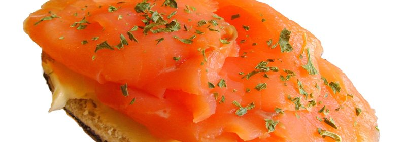 Laks er svært rik på det gode fettet. Det samme er ørret, makrell, sild, tunfisk og kveite. www.johnsteffensen.no
