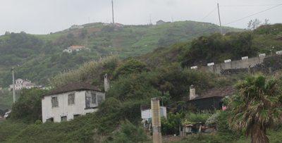 Det er mange enkle boliger på Madeira. Dette er fra en mindre landsby nord på øyen. Foto - John Steffensen