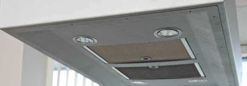 Ventilatoren eller kjøkkenviften må rengjøres hyppig. Mange kvier seg for å gjøre dette, men det kan utføres på en svært enkel og grei måte. Les mer her...