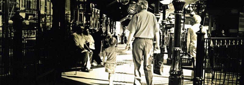 """Besteforeldre - hva vil dere kalles... For å unngå forvirring, og for å signalisere en positiv relasjon på tvers av generasjonene, ble det """"Beste"""" for meg. www.johnsteffensen.no"""