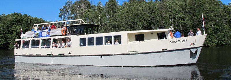 MS Strømsfoss trafikkerer Haldenkanalen to dager i uken i sommersesongen. Foto - www.johnsteffensen.no