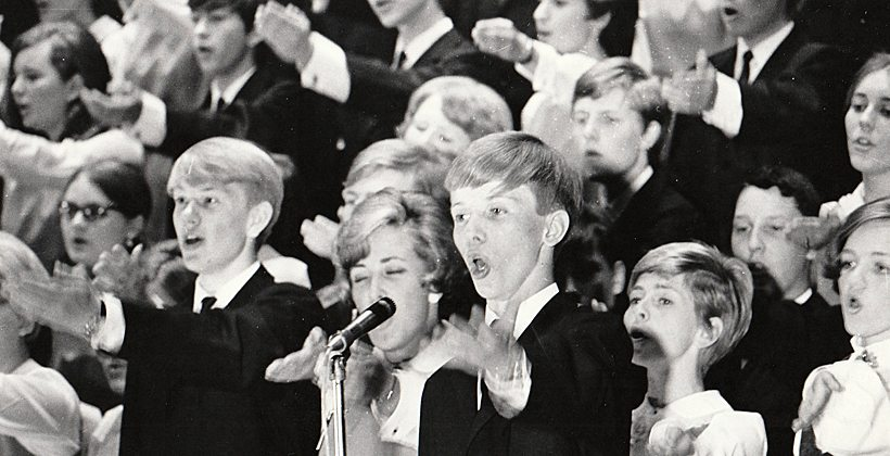 """""""Hei, la oss være som fjellet, fri!"""" sang Bjarne Øystein Graabræk i 1968. Nå er han med i komiteen som forbereder 50 årsjubileet i september 2017. www.johnsteffensen.no"""
