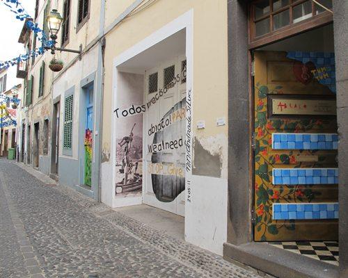Rua Santa Maria i gamledelen av Funcal er vel verdt et besøk. Foto: John Steffensen