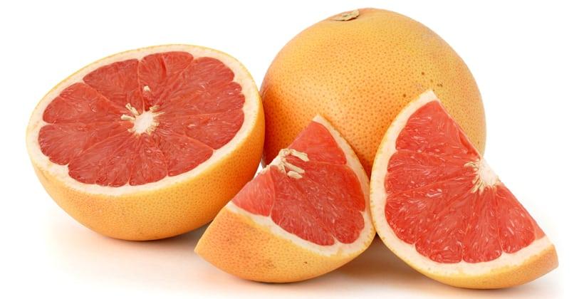 Grapefrukt har en del skumle bivirkninger. Granateple også. Mer om dette her...
