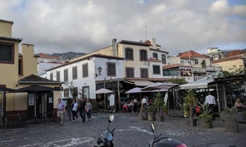Fra den gamle bydelen av Funchal, Madeira. www.johnsteffensen.no